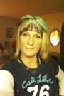 Green-thrift-store-scarf-navy-hollister-t-shirt-blue-thrift-store-necklace-