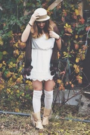 Zara dress - Felmini boots - H&M hat - H&M tights - Zara scarf