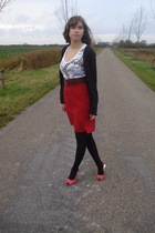 skirt - belt - H&M shirt - vest - shoes