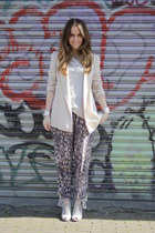 nude Zara blazer - H&M pants - Zara wedges