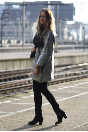 silver H&amp;M Trend cardigan - Topshop boots - Levis jeans