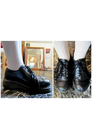 black doc martens shoes
