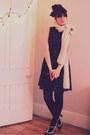 Black-mango-dress-cream-zara-scarf-black-heels