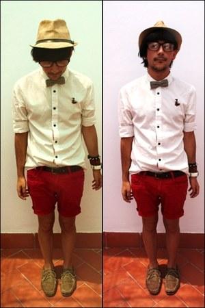 white cotton shirt - red denim shorts shorts