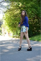 flower pattern Zara shorts - Zara top - Steve Madden wedges
