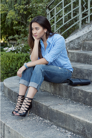 blue Gant shirt - black sandals Zara shoes - blue boyfriend American Eagle jeans