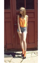 orange random brand top - Lee shorts - black and white random brand sunglasses