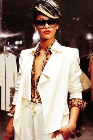 gold random brand accessories - white random brand blazer