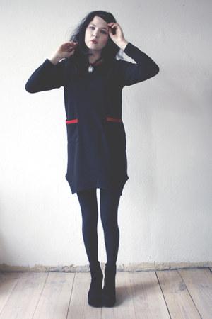 black boots - black dress