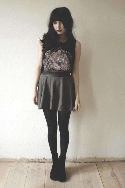 black top - gray skirt