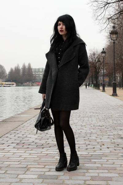 gray coat - black bag