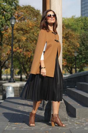 camel camel cape Zara cape - camel Mari A boots - black Zara skirt
