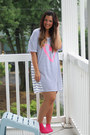 Hot-pink-hot-pink-socks-apye-socks-navy-victorias-secret-t-shirt