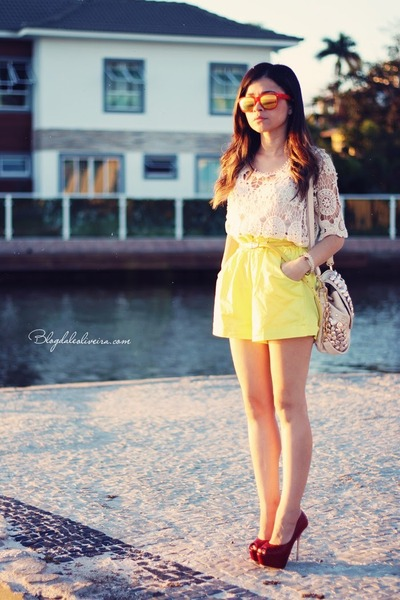 eggshell blouse - yellow shorts - light yellow sunglasses - red pumps