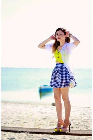 blue skirt - yellow top - white cardigan
