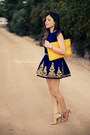 Navy-dress-yellow-bag-gold-sandals