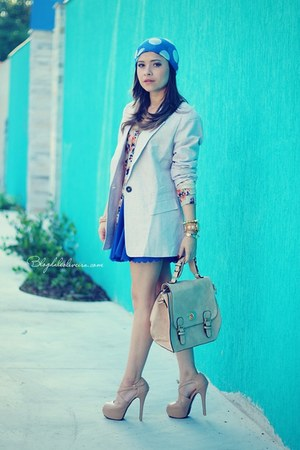 blue hair accessory - beige blazer - light blue cardigan