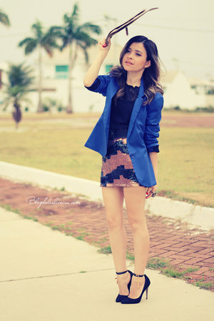blue blazer - brown skirt - black blouse - black pumps