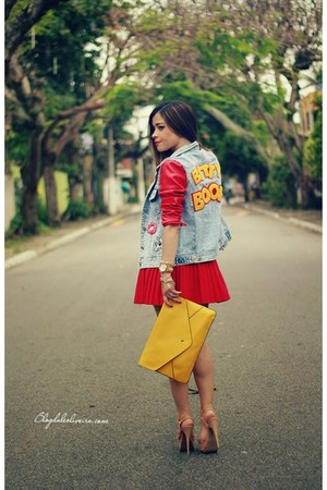 sky blue jacket - yellow bag - red skirt
