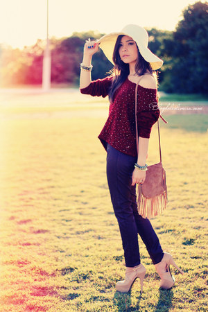 beige hat - neutral shoes - maroon sweater - crimson pants