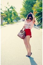 red shorts - light pink t-shirt