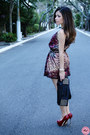 Black-bag-brick-red-dress-black-belt-ruby-red-pumps