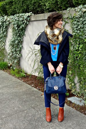 bronze faux fur scarf Michael Kors scarf - blue navy trousers Zara pants