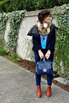 bronze faux fur scarf Michael Kors scarf - blue navy trousers Zara pants