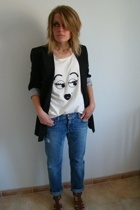 white SANDRO t-shirt - brown Nine West shoes - blue boyfriend used jeans jeans