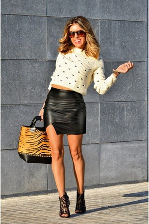 leather choiescom skirt - Zara jumper - Mango sandals