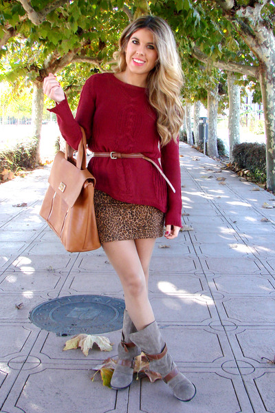 burgundy Zara sweater - animal print pull&bear dress - camel Stradivarius bag