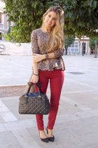 animal print Zara t-shirt - Primark bag - burgundy pull&bear pants