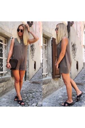brown DKNY bag