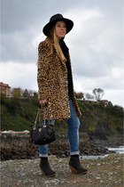 Mango coat - H&M boots - Choies hat - purificación garcía bag