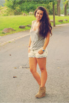 light brown shoes - ivory shorts - dark khaki t-shirt