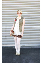 gold Etsy shoes - white Target tights - brown luluscom shorts - army green H&M v