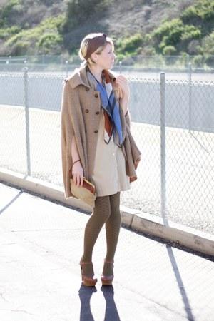 Zara cape - vintage scarf - vintage bag - luluscom heels