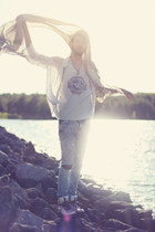charcoal gray Earth Shine necklace - aquamarine Gypsy Sale shirt