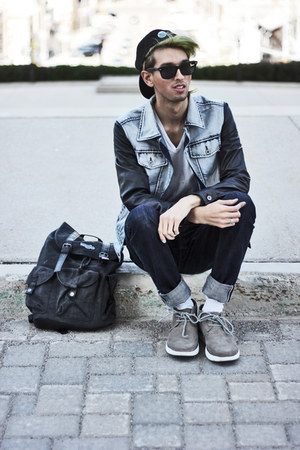 gray rucksack Mojo bag - heather gray denim leather Viparo jacket
