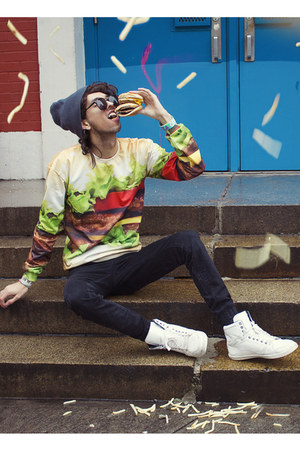chartreuse burger Mr Gugu & Miss Go sweater