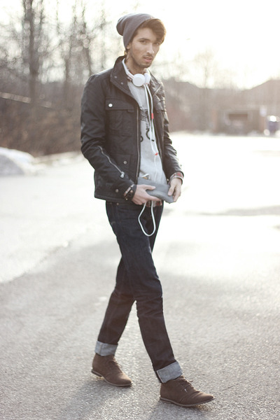 heather gray RB OF McD wallet - navy Big Star USA jeans