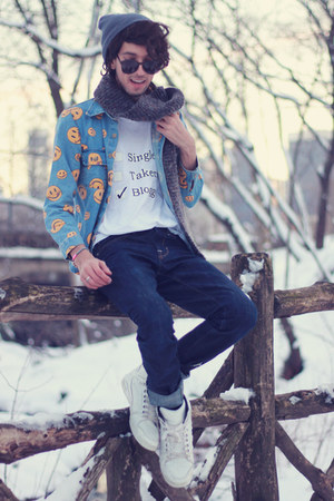 white diy shirt DIY shirt - blue smiley shirt romwe shirt