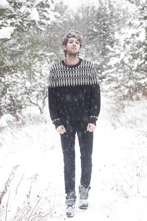 white winter Forever 21 sweater