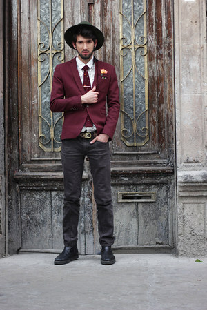 crimson dotted Eton tie
