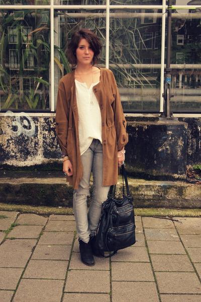 suede Zara coat - Mango boots - H&M jeans - Mango bag