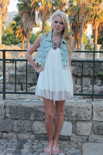 blue asos vest - white flipflops Havaianas shoes - white Topshop dress