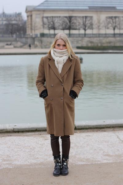 camel Burberry coat - black leather chain Sasha boots - ivory knit Ebay scarf