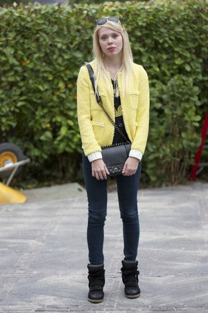 black chain Nelly bag - navy Bershka jeans - light yellow Zara jacket