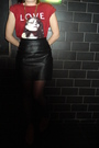 Red-marc-by-marc-jacobsar-t-shirt-black-vintage-skirt-black-tabio-tights-g