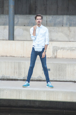 Topman jeans - Zara shirt - American Apparel bag - New Balance sneakers